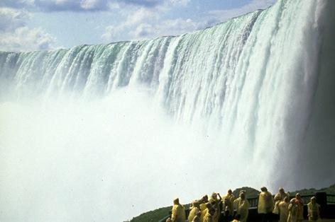 ナイアガラの滝 裏側観光