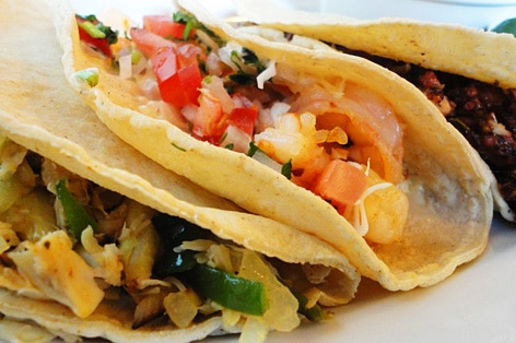 メキシコ料理の代表 タコス