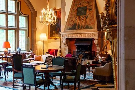シュロスホテル クロンベルク ロビー