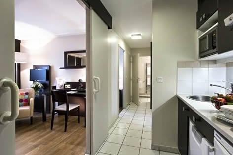 アパートメントタイプホテル キッチン&リビング一例(イメージ)