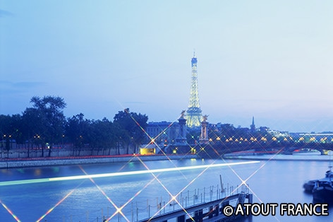 パリのセーヌ河岸の画像 p1_10