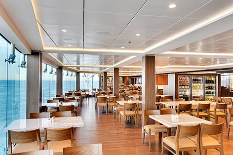 船内には12のレストラン