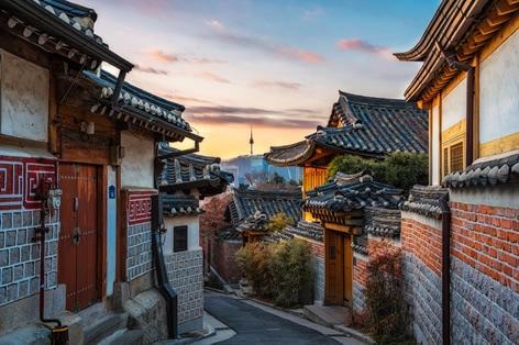 韓国の伝統的家屋である北村韓屋村(ブッチョンハノクマウル)