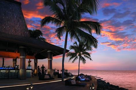 海外旅行 ボルネオ島 シャングリラ・タンジュン・アル・リゾート&スパ テル・バー(イメージ)