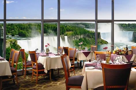滝の見えるレストラン一例