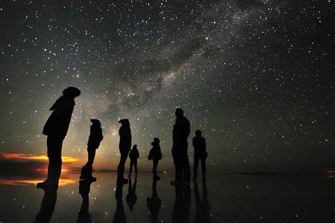 ウユニ塩湖の夕日(雨季)