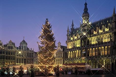 添乗員同行の旅 ブリュッセル 世界遺産「グランプラス」
