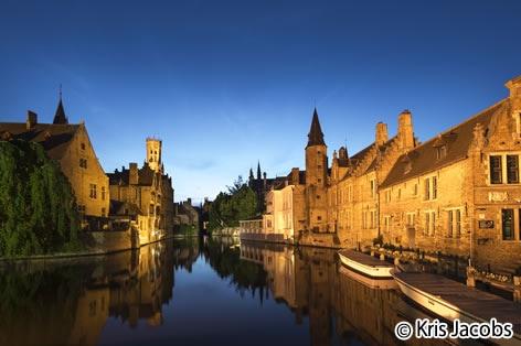 夜のブルージュ旧市街