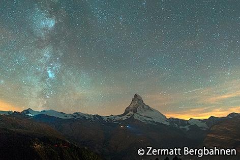 標高2,288mのスネガ展望台にて星空観賞!