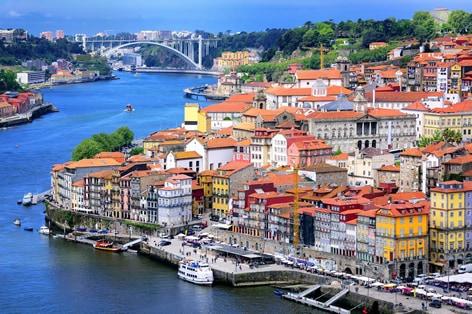 大航海時代の栄光を伝える 世界遺産ポルト歴史地区