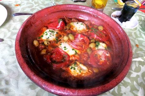 卵とトマトのタジン